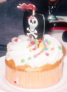 Mystery Dessert: Pirate Ship Cupcakes